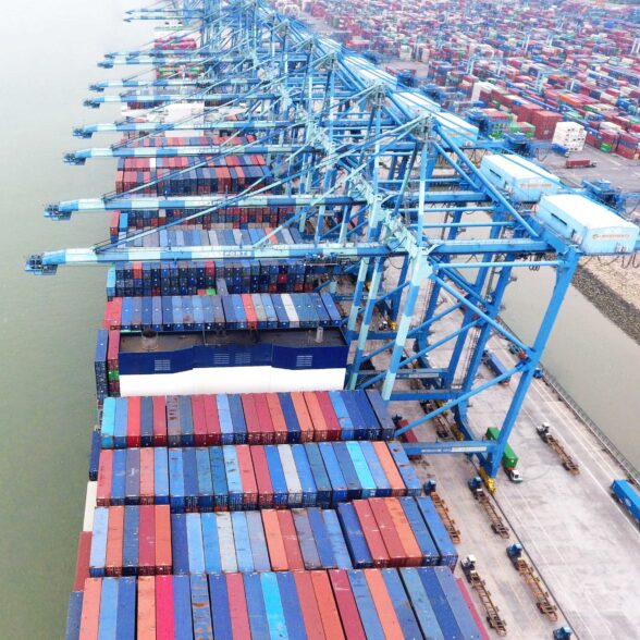WESTPORTS SETS NEW RECORD BY HANDLING 23,183 TEUS ON ONE VESSEL